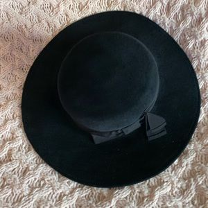 Auth Gucci suede black large hat with bow